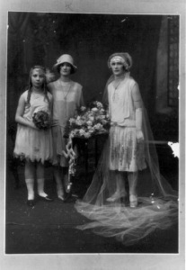 1920s wedding dress and dramatic veil