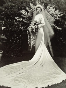 1930's wedding gown made of silk