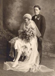early 1900s dramatic wedding veil